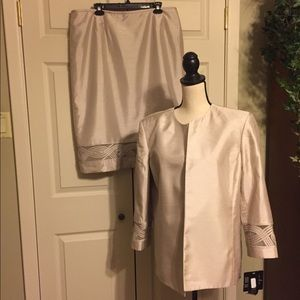 Kasper 2pc. Women's suit. Size 18
